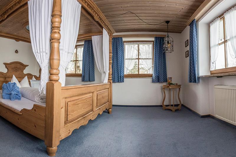 bauernhofurlaub am berghof walser in bayern ferienwohnung zugspitze. Black Bedroom Furniture Sets. Home Design Ideas